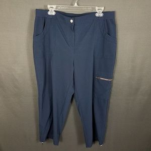 4/10- Chico's Zenergy size 2 pants (large)